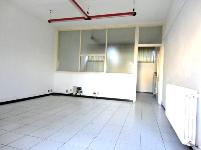 affittasi ufficio bilocale mq. 60 con ingresso indipendente