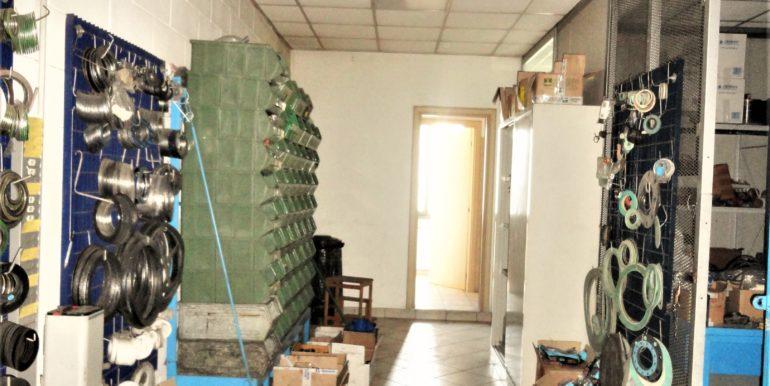 capannone ufficio magazzino area esterna Lallio