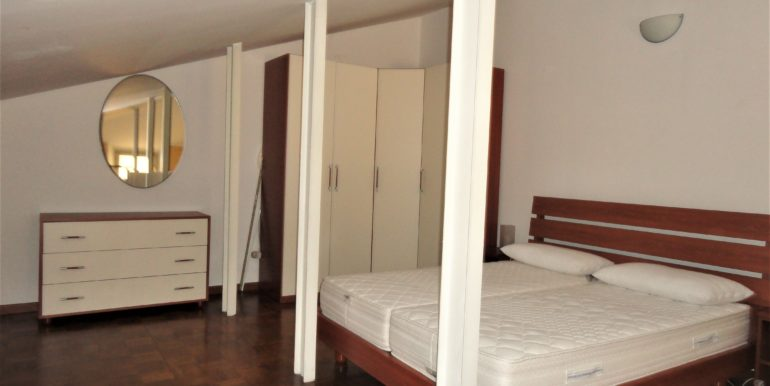 affitto appartamento bilocale mansarda bergamo centro