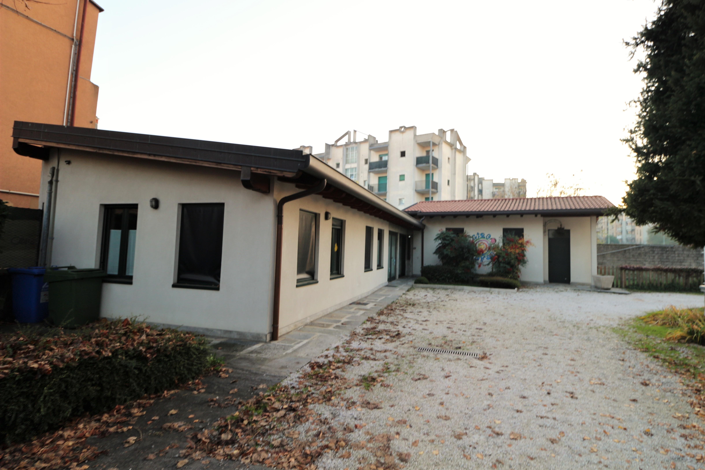 scuola – laboratorio indipendente tipologia villa singola Bergamo